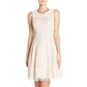 NWT Vince Camuto Lace Spring Dress size 2